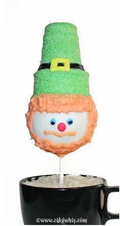 LEPRECHAUN CAKE POPS.... the cutest pops ever for St.Patrick's Day and I even did a tutorial! From cakewhiz.com