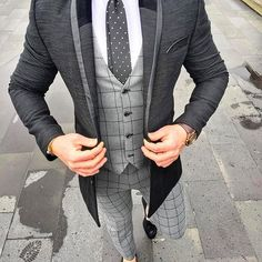 Yes or No? via @gentwithfootwear by @sammydkr #classydapper