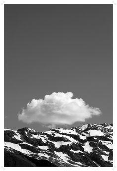 Matiéres de neige de rocs de ciels et de nature, montagnes ...  #engelberg #switzerland #obwald #montagnes #mountains #swiss #photography #blackandwhite