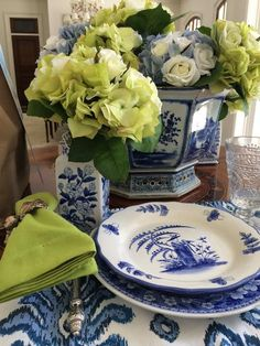 A winner, a bloggers luncheon, lunch for two and a magazine you need to buy! - The Enchanted Home