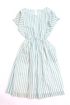 Adore this summer dress (all info on the site is in Japanese) - oh how I wish I could hire a seamstress!