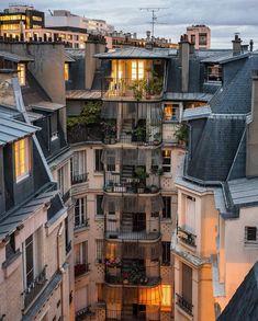 City Aesthetic, Travel Aesthetic, Paris France, Urbane Fotografie, Places To Travel, Places To Visit, A Day In Paris, Paris City, Aesthetic Pictures