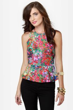 Floral Plans Sleeveless Floral Print Top at Lulus.com!