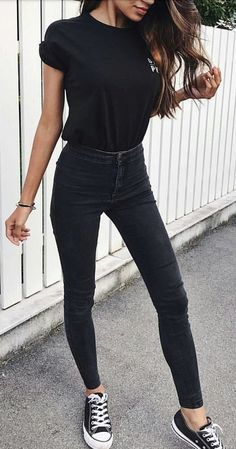 #summer #outfits Black Top + Black Skinny Jeans