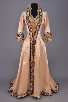 TRAINED SILK And LACE TEA GOWN, C. 1880.