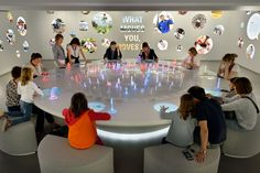 On the occasion of the 150th anniversary of the world's largest food company Tinker has designed the family experience 'nest'. The present-day Forum uses interactive ways to make visitors conscious of the social challenges in nutrition and health and appeals to collective responsibility.