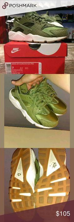 Women's Nike Air Huarache Run Premium size 7 Women's Nike Air Huarache Run Premium size 7( box not included) Nike Air Huarache Shoes Athletic Shoes