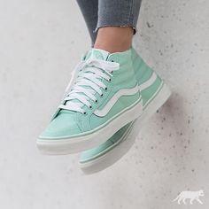 Sneakers femme - Vans Sk8-Hi Slim http://www.95gallery.com/