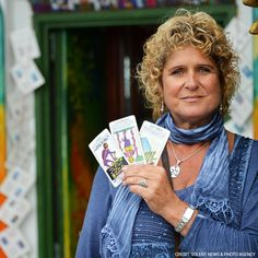A tarot card reader unveiled a murderer's guilt!  When tarot card reader Jayne Braiden dealt her client Mr. Randel-Hanson the blasted tower, emperor card, and devil card, she knew something was very wrong. After her client saw the cards in front of him, he started sobbing and admitted that he had murdered his roommate just a few days before. Jayne ran to call the police and kept him talking in her shop in Brighton, UK for over an hour until the police arrived.
