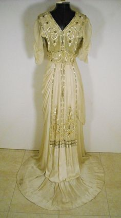 Edwardian Evening Gown http://apparelsdepot.com/product-category/woman-collection/evening-gown/