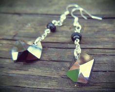 havranka / Náušnice Swarowski Jet Metallic Silver Arrow Necklace, Jet, Handmade Jewelry, Metallic, Drop Earrings, Silver, Jewels, Handmade Jewellery, Jewellery Making
