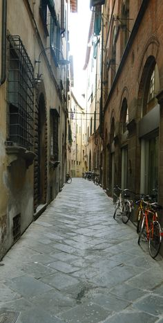 Medieval passage - Lucca - Italy #lucca #medievalpassage #medieval #passage #italy #italia #toscana #tuscany