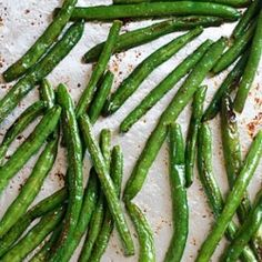 Roasted Parmesan Green Beans- tender and crisp green beans are roasted to perfection, then topped with parmesan cheese.