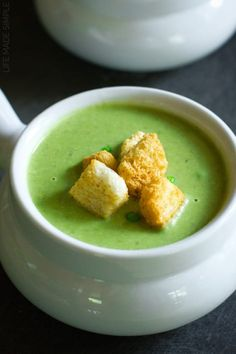 This fresh and vibrant spring pea soup with leeks and lentils is flavorful and easy to make. It's perfect for a week night dinner or for a special occasion! Soup Recipes, Dinner Recipes, French Green Lentils, Healthy Soup, Healthy Recipes, Hungarian Recipes, Hungarian Food, Pea Soup, Kaja
