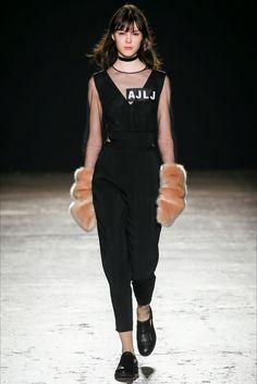 Au jour le jour Milano - Collections Fall Winter 2016-17 - Shows - Vogue.it
