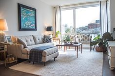 Jeni's Mixed and Matched San Fran Apartment — House Call living room