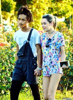 Jaden Smith and Sarah Snyder Bib Overalls, Dungarees, Jaden Smith Fashion, Sarah Snyder, Herren Outfit, Celebs, Celebrities, Dreads, Overall Shorts