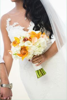 Easley Designs' bridal bouquet. Picture by Jeanne Marie Photography #EasleyDesigns #Coordination #FloralDesign #Wedding #Event