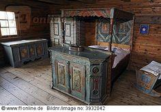 Schlafkammer mit bemaltem Kastenbett von 1850, Haus Füssinger aus Siebratsreute, Bauernhaus Museum Wolfegg, Allgäu, Oberschwaben, Baden-Würt...