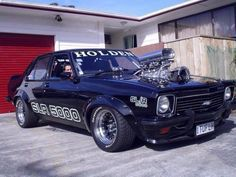 If i ever got a chance to get a old type road car, a Torana would deffo fill my garage ;) :)