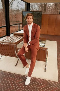 Phillippe Leblond wearing BOSS Menswear in the May issue of Esquire US SuitedByBOSS is part of Suit fashion - Look Casual Hombre, Stylish Men, Men Casual, Stylish Outfits, Designer Suits For Men, Mens Fashion Suits, Cool Mens Fashion, Men Formal, Mode Masculine