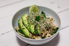 Sweet chili shrimp - avocado wok