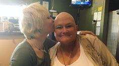 """Chemotherapie ist durch: Paris Jackson feiert """"knallharte Mutter"""""""