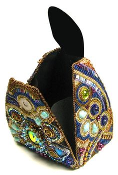 Beaded Purses, Beaded Bags, Beaded Jewelry, Couture Purses, Purse Tutorial, Embroidered Bag, Vintage Purses, Fashion Plates, Beaded Embroidery