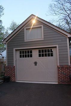 6 Ways How Thieves Break into Your Garage (Plus 6 Tips on Not Letting This Happen)