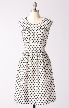 Fine Focus Dress- White/Black Dots Want this!!! Would make a good birthday gift, don't ya think?! :-)