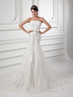Strapless Satin Mermaid Wedding Dress with Lace Overlay and Bow Brands:AmarantaFreeship:YESFabric:Satin/TulleFabric(main):WeddingTailoring Time (Standard):15-20 DaysTailoring Time (Rush Order):10-15 DaysNeckline:Straight NecklineShoulder Strap:StraplessWaist:NaturalBack…