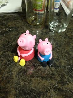 Peppa and George ( Peppa Pig) Cake Toppers! Great kids party and cake ideas