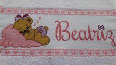 Resultado de imagem para toalhas bordadas em ponto cruz para bebe