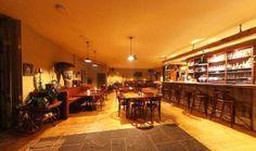 Parádní restaurace na úrovni s moc příjemným interiérem ve Strašnicích, schovaná, ale skvělé - vynikající jídlo, příjemná obsluha - just nice! :) http://www.starypan.cz