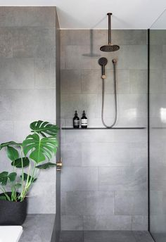 Natural and natural bathroom inspiration and ideas .- Natural and Natural Bathroom Inspiration and Ideas # ideas - Copper Bathroom, Natural Bathroom, Bathroom Fixtures, Small Bathroom, Bathroom Ideas, Bathroom Grey, Bathroom Designs, Bathroom Modern, Light Grey Bathrooms