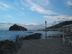 Castello Aragonese (dal piazzale antistante il vecchio carcere di Punta Molino)