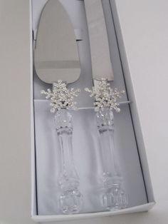 Wedding winter wonderland frozen snowflake cake ideas for 2019 Winter Wedding Decorations, Wedding Themes, Wedding Ideas, Frozen Wedding Theme, Winter Wedding Cakes, Winter Weddings, Trendy Wedding, Wedding Accessories, Wedding Jewelry