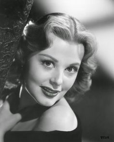 Vintage Glamour Girls: Arlene Dahl Arlene Dahl, Music People, Golden Age Of Hollywood, Vintage Glamour, Pretty Woman, Redheads, Actors & Actresses, Films, Movies