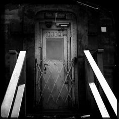"""""""enter"""" by geoff yale - all rights reserved - www.yalephotography.com"""
