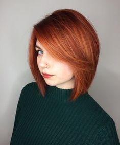 16 short red hair color ideas for women Red Bob Hair, Short Red Hair, Short Hair Styles, Red Hair Bangs, Hair Color Shades, Red Hair Color, Hair Colors, Red Color, Copper Red Hair
