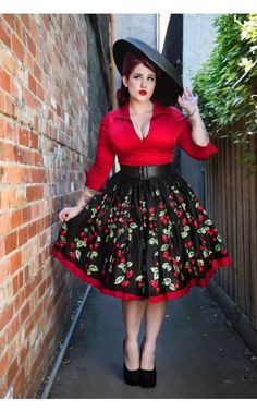 Vintage plus size outfits are always something good to have ready in your wardrobe just in case you get invited to an event which requires you dress ready for the occasion. For example, if someone