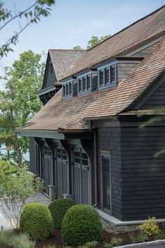 Black House Exterior, House Paint Exterior, Exterior Design, Architecture Design, House Painting, House Colors, House Design, Design Design, House Styles