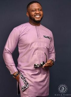 Hello gents, let's look at our latest curation of senator Native Wears for stylish men. You don't need to be Nigerian to want this, its a global something! African Wear Styles For Men, African Shirts For Men, African Dresses Men, African Attire For Men, African Clothing For Men, African Men Style, Ankara Styles For Men, African Women, Nigerian Men Fashion