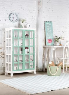 Boho Deco Chic: La madera reciclada es tendencia ¿Quieres esta VITRINA MINT de regalo? Beautiful Home Designs, Beautiful Interiors, Turquoise Cottage, Boho Deco, Boho Chic, Decoration, Ladder Decor, Home Accessories, Sweet Home