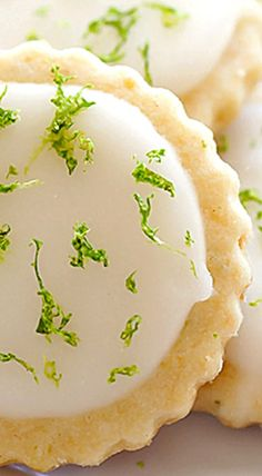 Coconut Lime Shortbread Cookies - perfectly light, sweet, buttery, and full of fresh lime and coconut flavor! ❊
