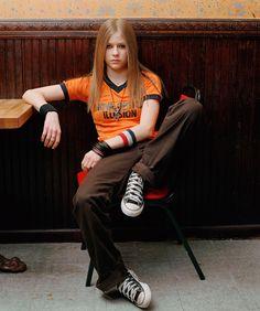 Perfect Old Avril Lavigne Styles IdeasYou can find Avril lavigne and more on our website.Perfect Old Avril Lavigne Styles Ideas Avril Lavigne Style, Avril Lavigne Photos, Oprah Winfrey, Jennifer Lopez, 2000s Fashion, Look Fashion, Fashion Outfits, Estilo Beatnik, Princesa Punk