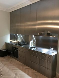 Cavendish Equipment Limited Loft Kitchen, Kitchen Room Design, Kitchen Cabinet Design, Interior Design Kitchen, Diy Kitchen, Kitchen Storage, Aluminum Kitchen Cabinets, Aluminium Kitchen, Industrial Kitchen Design