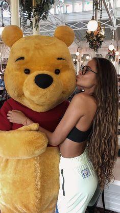 Omg her hair😍 Camila Gallardo, Her Hair, Hair Beauty, Poses, Long Hair Styles, Hogwarts, Sexy, Bb, Hairstyles