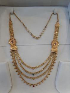 Gold Designs, Gold Earrings Designs, Necklace Designs, Indian Jewellery Design, Indian Jewelry, Jewelry Design, Temple Jewellery, Gold Jewellery, Kurti Neck