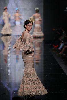 Fotografías Moda Flamenca - Simof 2014 - Hermanas Serrano 'Sueños' Simof 2014 - Foto 16 Fishtail, Flamenco Dresses, Andalusia, Seville, Malaga, Trumpet, Reign, Virginia, Spain